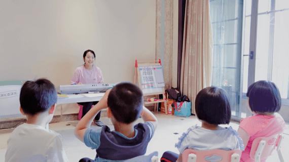摩尔妈妈APP推出「老师到家」 助力百万幼师灵活就业-黑板洞察